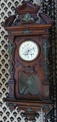 Реставрация,  старой,  антикварной мебели, а так же настенных часов.